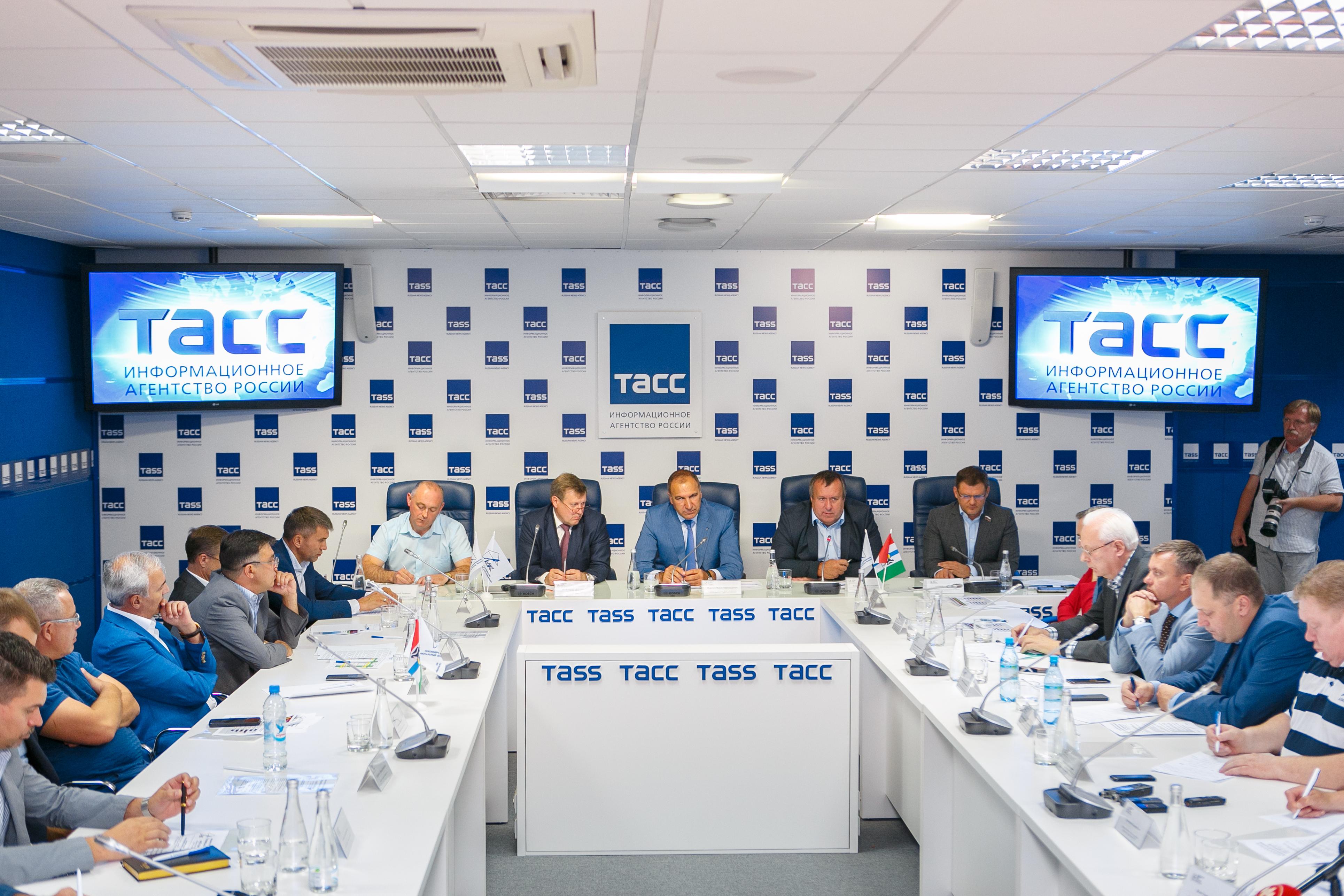 Расширенное Заседание Регионального делового клуба строителей  с Мэром г.Новосибирска А.Е.Локоть