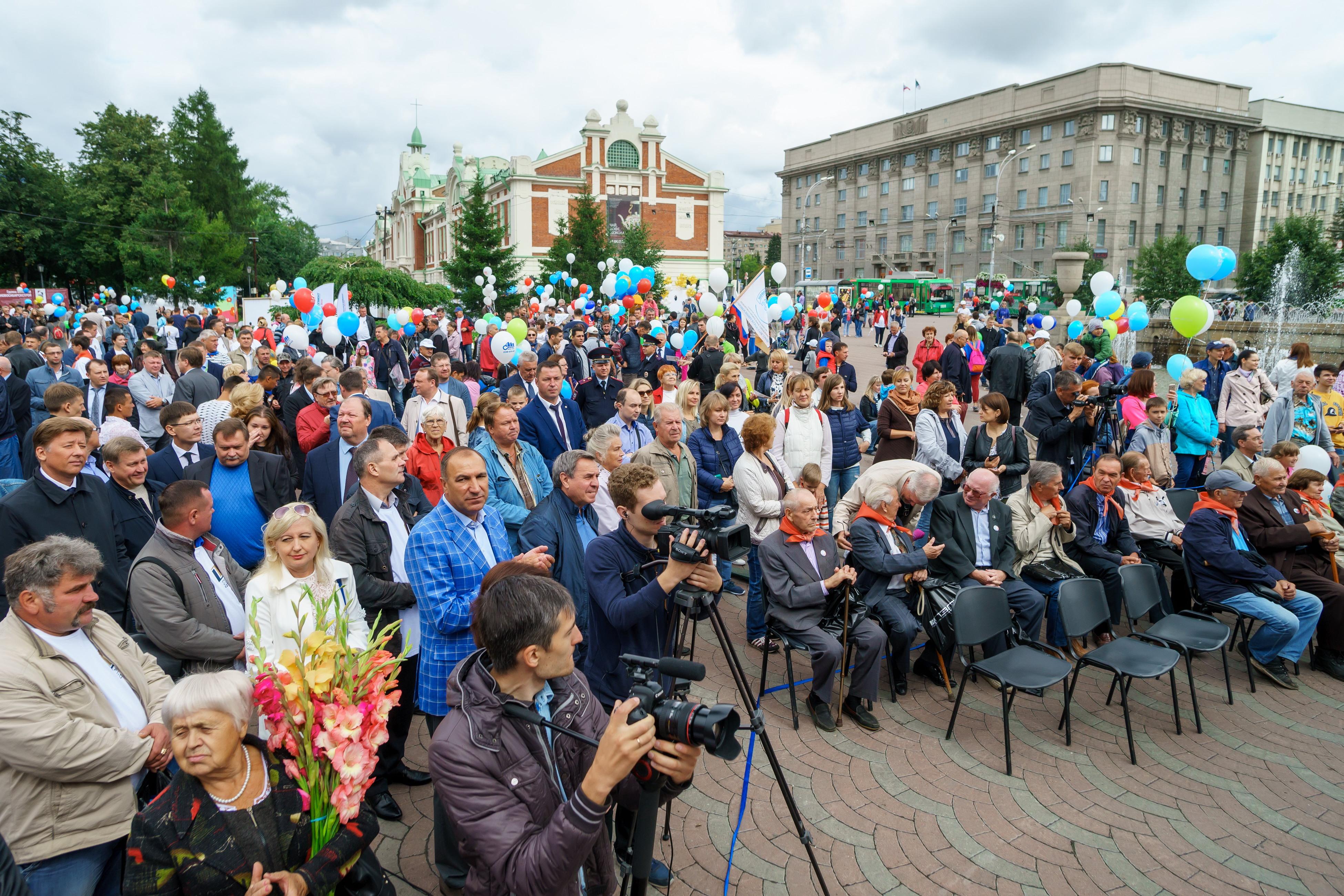 Новосибирск отпраздновал День строителя!