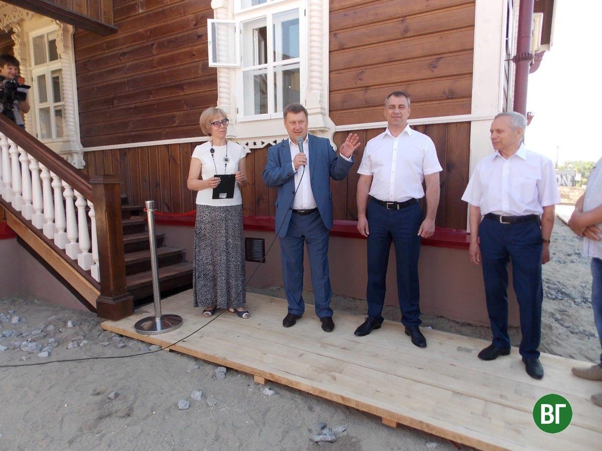 «РСУ-5 Новосибирскгражданстрой» отреставрировали Контору инженера Будагова к Дню города