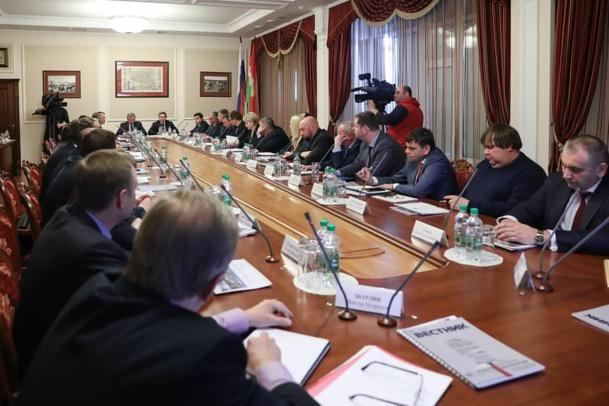 Владимир Якушев нацелил региональные власти на плодотворную работу застройщиками при переходе на проектное финансирование