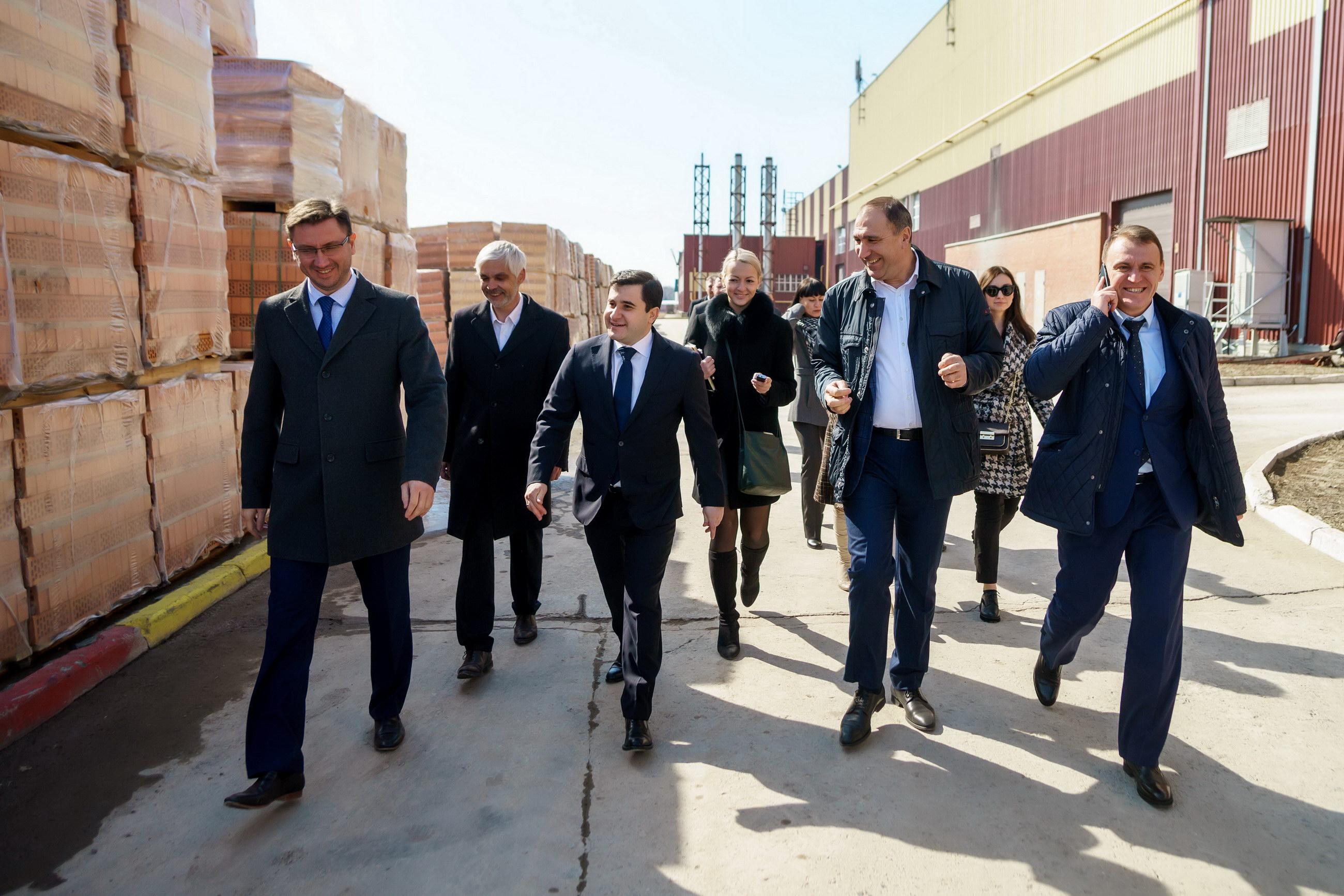 Замминистра строительства РФ посетил кирпичный завод Ликолор (Группа компаний «Первый строительный фонд»)