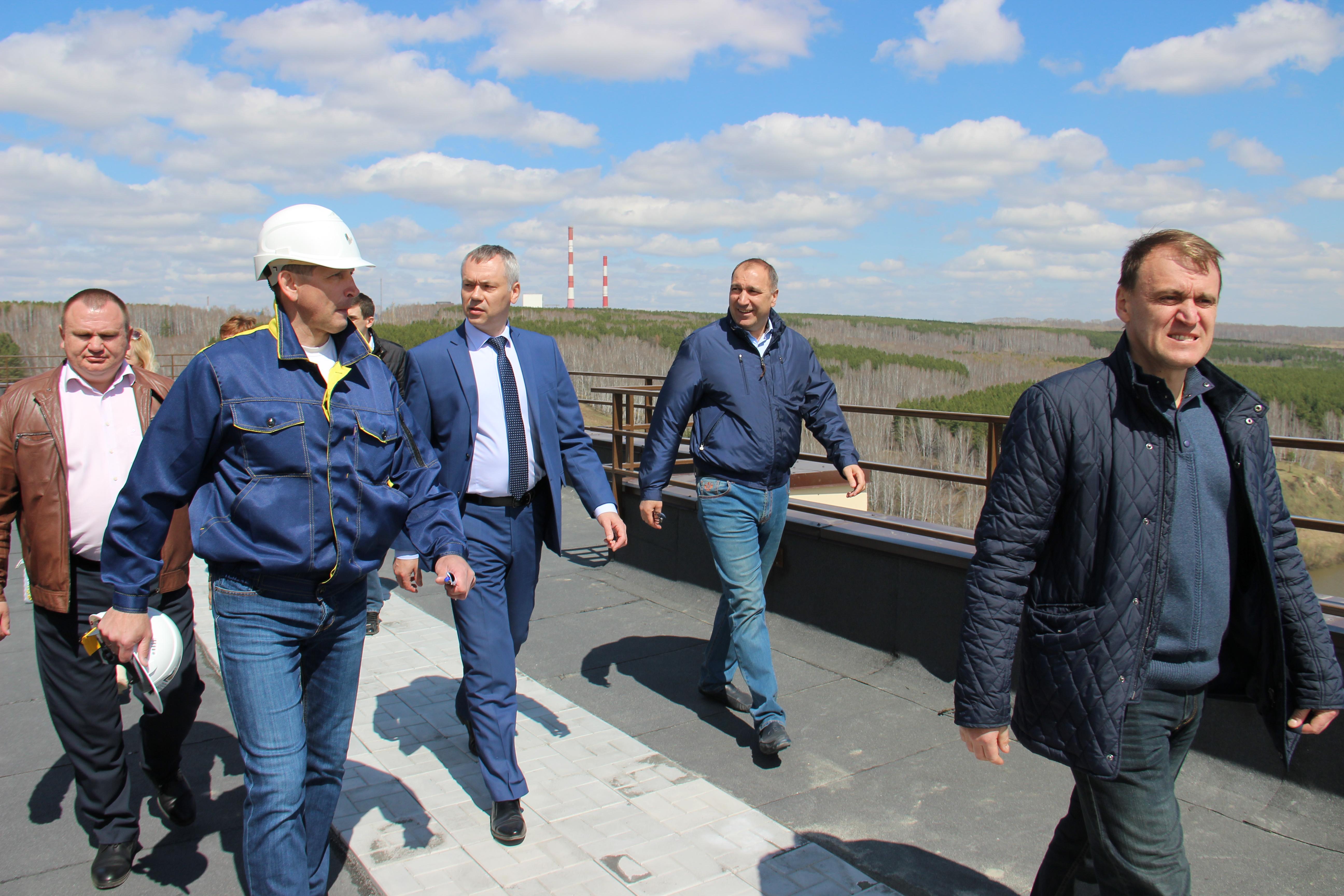 Врио главы Новосибирской области Андрей Травников посетил микрорайон «Весенний»