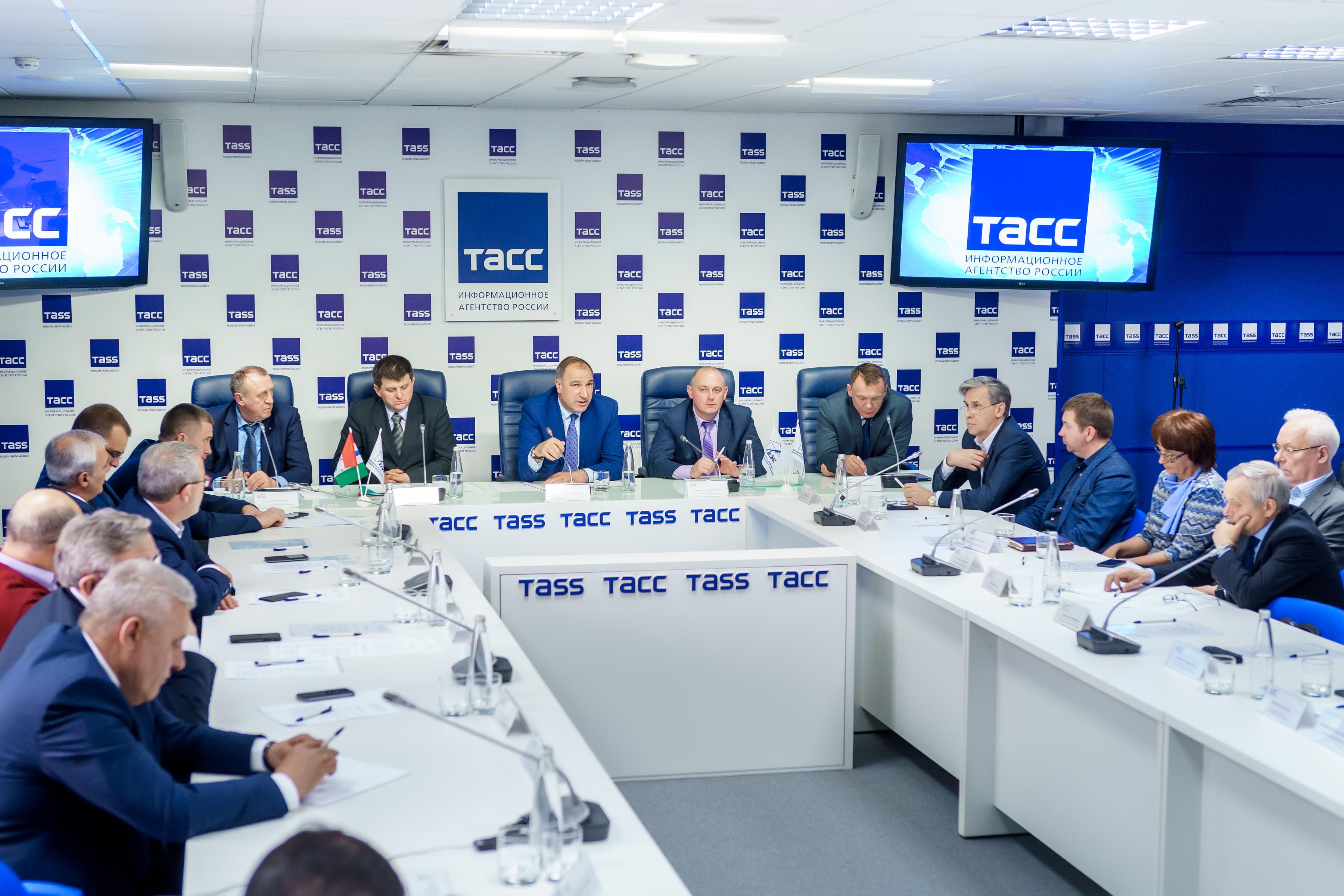 Состоялось Расширенное заседание Регионального делового клуба строителей с участием руководства Сибирской генерирующей компании