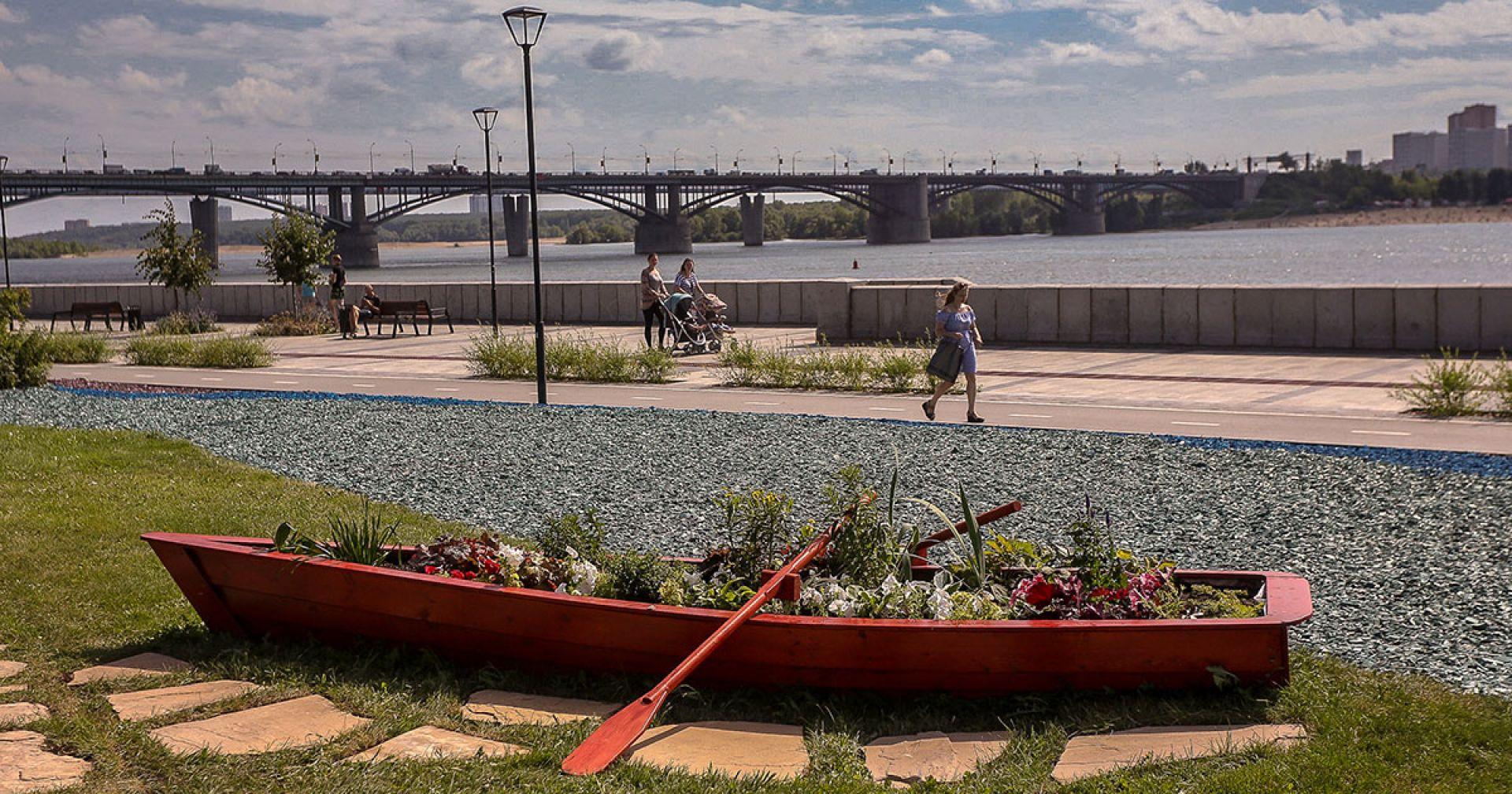«Река времени» на Михайловской набережной – подарок Строителей-Созидателей горожанам