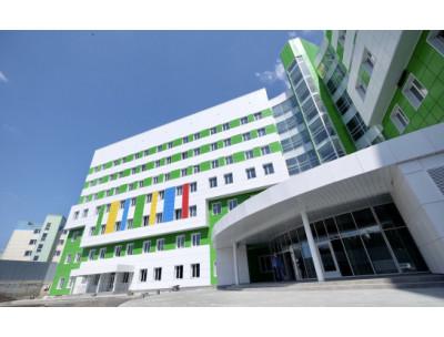 Бердский строительный трест с опережением графика ведет строительство крупнейшего в регионе медицинского учреждения – перинатального центра
