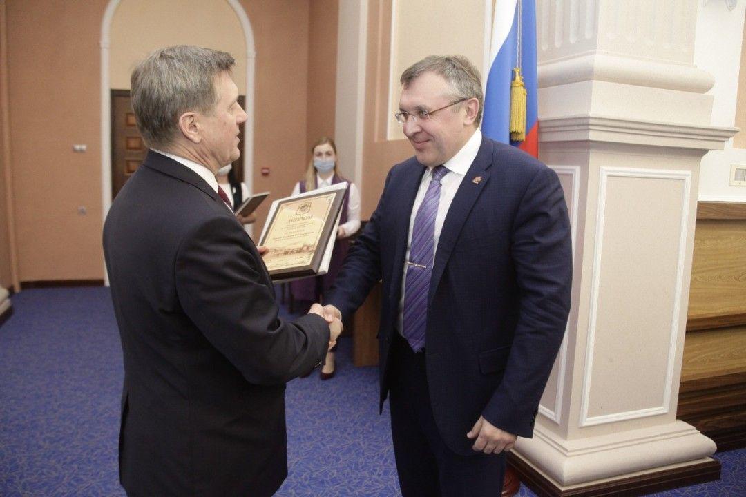 Мэрия вручила грамоты и благодарности лучшим застройщикам Новосибирска